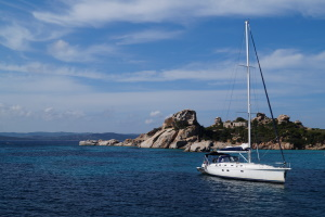 Bei einer Bootsversicherung kann ein Vergleich zu den passenden Angeboten führen.