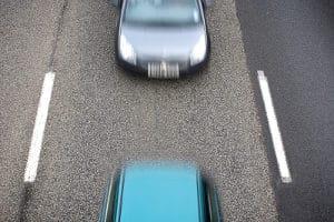Mit der Brückenabstandsmessung (VAMA) werden Abstand und Geschwindigkeit gemessen.