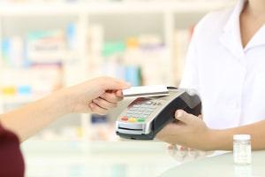 Bestimmte Fahrzeugklassen können Sie bei Buchbinder auch ohne Kreditkarte buchen.