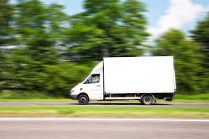 Bei Buchbinder können Sie LKWs, Transporter und gewöhnliche Autos mieten.