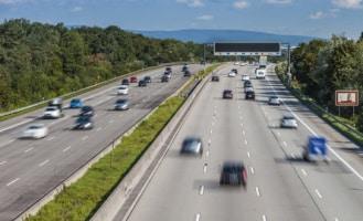 Bulgarien: Auf der Autobahn gilt ein allgemeines Tempolimit von 130 km/h.