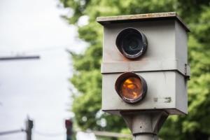 Beachten Autofahrer die geltenden Tempolimits nicht, droht ein Bußgeld in Bremen.