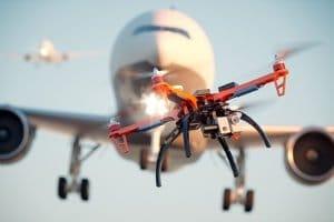 Ein Bußgeld für eine Drohne droht beispielsweise, wenn sie den Flugverkehr stört.