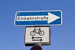 In der Einbahnstraße in die falsche Richtung fahren: Welches Bußgeld droht?