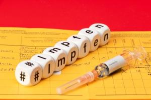 Droht ein Bußgeld, wenn gegen Impfpflicht oder Meldepflicht verstoßen wird?