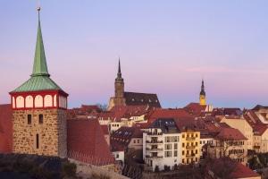 Welches Bußgeld droht in Sachsen, wenn die Geschwindigkeit überschritten wird?