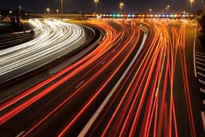 Im Bußgeldatlas sind besonders Ballungsräume auszumachen, deren Infrastruktur höheres Verkehrsaufkommen ermöglicht.
