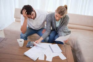 Ein Bußgeldbescheid geht ohne Verwarnung ein? Das Bußgeld und die zusätzlichen Gebühren sind zu zahlen.