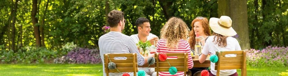 Grillen im Garten: Rauch, Lärm, Uhrzeit – Was gilt?