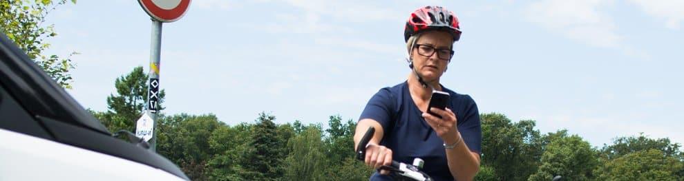 Handy auf dem Fahrrad benutzen