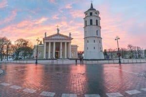 Bußgelder werden gemäß dem Bußgeldkatalog von Litauen verhängt.