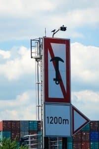 Im Bußgeldkatalog für die Schifffahrt enthalten: die Missachtung von Verkehrszeichen.
