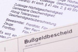 Die Bußgeldstelle in Krefeld ist zum Beispiel für die Bearbeitung von Bußgeldbescheiden zuständig.