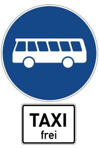 Sie dürfen einen Bus an einem so gekennzeichneten Bussonderfahrstreifen überholen.