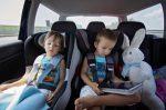 Wenn Sie Ihr Kind im Auto lassen, wird Hitze im Sommer schnell bedrohlich.