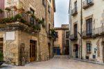 Leihen Sie einen Mietwagen in Barcelona aus, sind auch Trips ins Umland möglich.