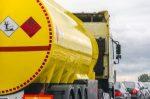 Warum soll das Sonntagsfahrverbot für Tanklaster aufgehoben werden?