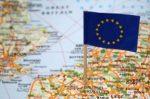 Zoll innerhalb der EU: Für Elektronik, Bekleidung oder Lebensmittel fallen in der Regel keine Gebühren an.