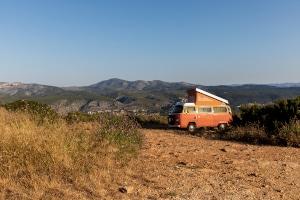 Über Camper-Sharing-Plattformen können Sie von Privatpersonen einen Campervan mieten.