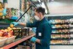 Im Corona-Lockdown dürfen Supermärkte geöffnet bleiben.