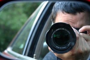 Bürger greifen während der Corona-Pandemie zur Selfie-Justiz und stellen Andersdenkende mit Fotos und Videos im Internet bloß.