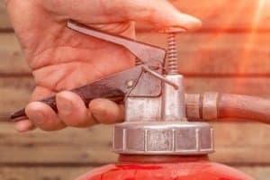 In Dänemark kann ein Feuerlöscher im Auto freiwillig mitgeführt werden