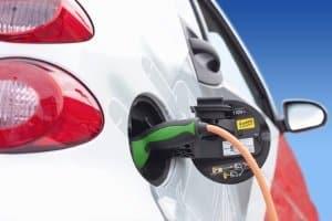 Saubere Luft trotz Diesel: Auch ohne Fahrverbot kann Wiesbaden den Grenzwert einhalten, z. B. durch mehr Elektromobilität.