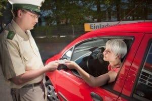 Bei einer Verkehrskontrolle können Sie den Drogentest verweigern