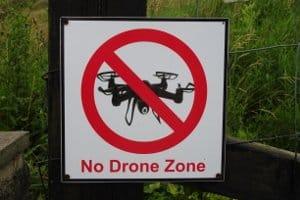 Nicht überall dürfen Sie eine Drohne privat fliegen lassen.