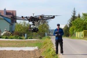 Sie benötigen auch eine Drohnen-Versicherung, wenn Sie gewerblich tätig sind.
