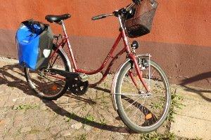 Bei älteren Fahrrädern ist der Dynamo meist in Form von einem Seitenläuferdynamos angebracht.