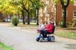 Ein E-Rollstuhl kann durch Tuning aufgemotzt werden.