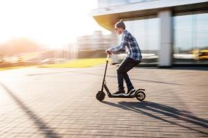 Wo dürfen E-Scooter bis 25 km/h in Deutschland fahren?