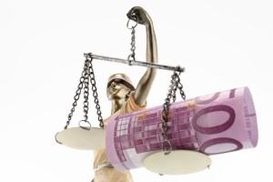 E-Scooter kaufen: Sanktionen gemäß StVO drohen, wenn zugelassen wird, dass gegen die Verkehrsregeln verstoßen wird.