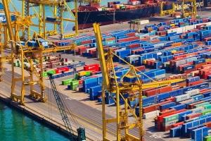 Einfuhrumsatzsteuer: An der Grenze wird diese bei der Einfuhr von Waren erhoben.
