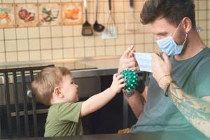 Bei einer Epidemie kann das Gesundheitsamt Maßnahmen wie eine Maskenpflicht anordnen.