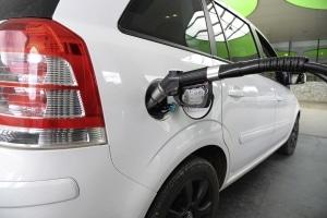 Nach der Erdgas-Umrüstung benötigt Ihr PKW CNG an der Tankstelle.