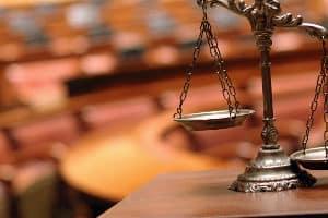 Auch im Ermittlungsverfahren kann die Bestellung eines Pflichtverteidigers notwendig sein.