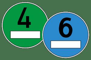 Abgasnorm Euro 6: Eine grüne Plakette gibt es aktuell, eine blaue könnte es zukünftig geben.
