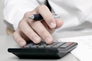 Für die EUSt werden der Wert der Waren aber auch anfallende Versandkosten und Zollgebühren berücksichtigt.