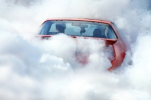 Event-Fahrtrainings können besondere Übungen enthalten, die das Auto stark fordern.