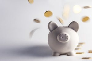 Mit diesen Tipps können Fahranfänger in der Versicherung Kosten sparen