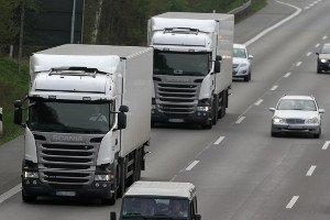 Der LKW-Fahrer muss vor Fahrtantritt die Ladung prüfen