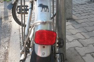 Ein Fahrrad-Schutzblech können Sie entweder mit Schrauben oder per Aufsteckvorrichtung montieren.