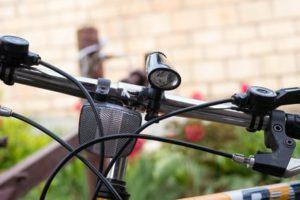 Fahrradbremse einstellen: Das sollte bei der Fahrradpflege nicht vergessen werden.