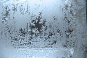 Fahrradfahren im Winter erfordert durch Schnee und Glätte besondere Aufmerksamkeit.
