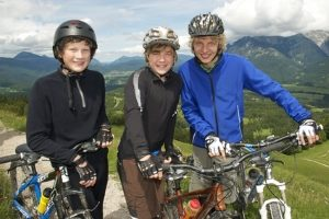 Mit der Fahrradprüfung beginnt für viele Kinder die Teilnahme am Straßenverkehr.