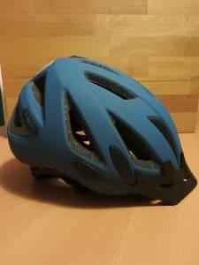 Fahrradunfall ohne Helm? Ob die Helmpflicht eingeführt werden sollte, scheidet die Geister.