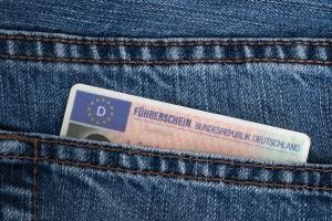 Für die Teilnahme an einem Fahrsicherheitstraining wird ein Führerschein benötigt.