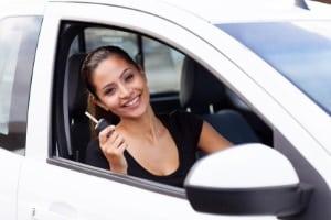 Ein Fahrsicherheitstraining für Frauen geht besonders auf Unsicherheiten und Gewohnheiten ein.